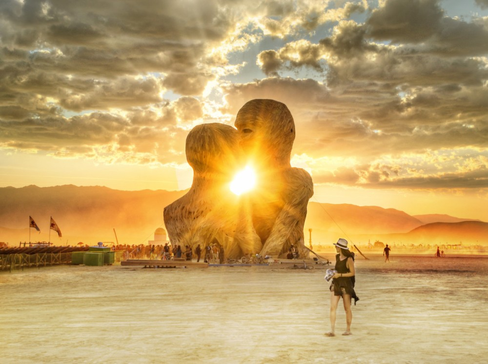 burning-man-love-2